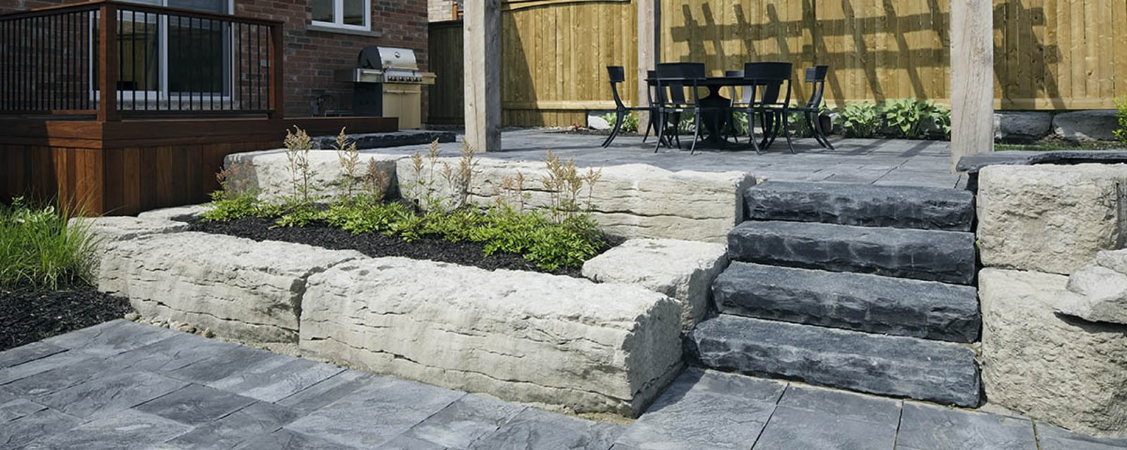 Owen Sound-Pebbletop®-Rockface Steps