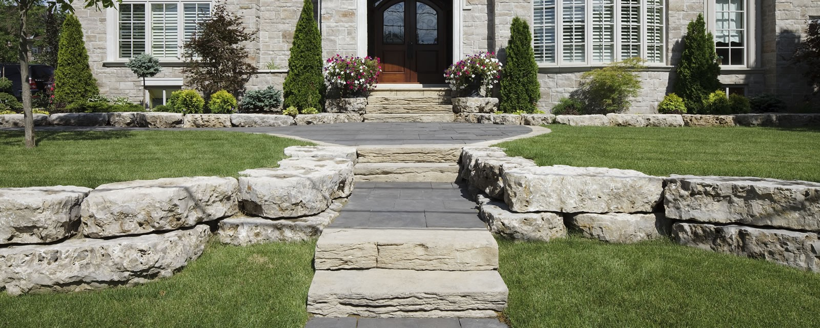 Weathered Edge-Limestone™ Steps