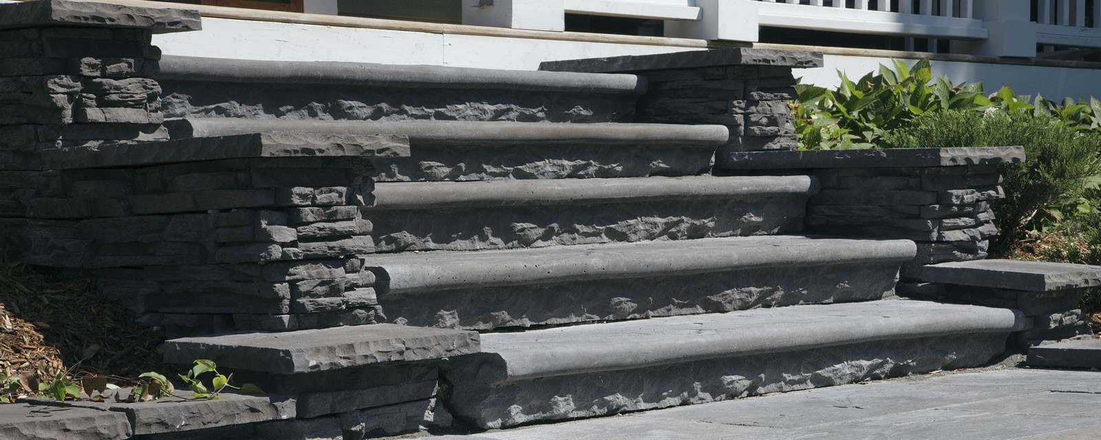 Credit Valley-Sandstone® Bullnose Steps